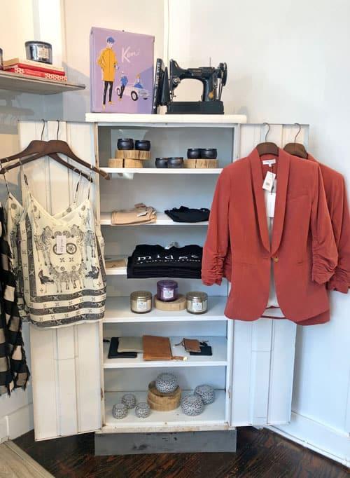 Midge shopping in savannah